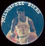 "1974 Oscar Robertson Milwaukee Bucks Big O 3 1/2"" celluloid pinback"