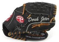 2005 Derek Jeter New York Yankees Signed Personal Model Rawlings Mitt (MEARS LOA/JSA/Steiner/MLB Hologram)
