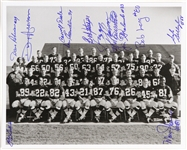 1960s Green Bay Packers Team Signed 8x10 B&W Photo (12 Autographs) JSA