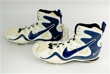 1990s Dallas Cowboys Game Worn Nike Zoom Air Cleats (MEARS LOA)